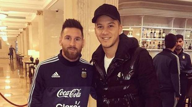 Messi đăng đàn xin lỗi vì 'quên mặt' đồng hương - Bóng Đá