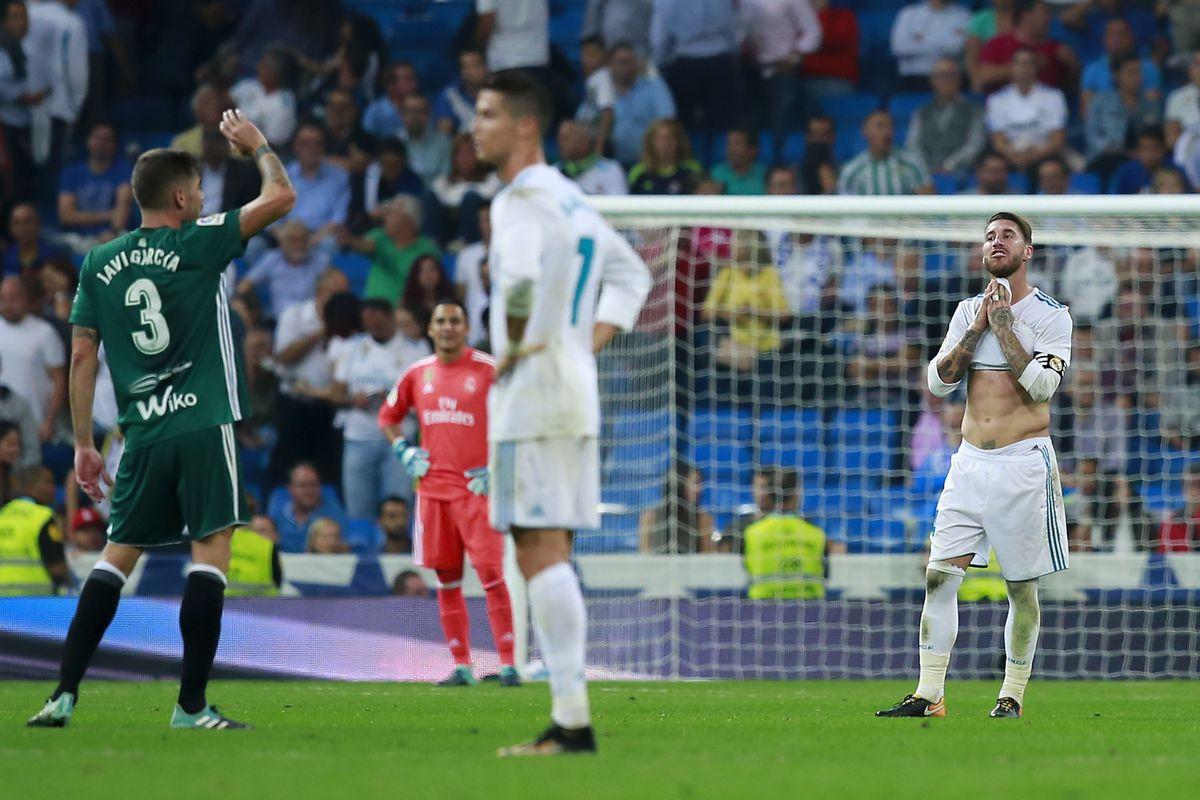 Những lần Real Madrid bị trọng tài xử ép mùa này - Bóng Đá