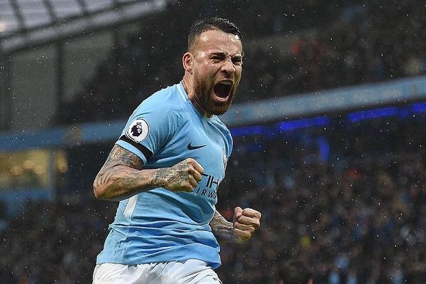 Guardiola chỉ đích danh 'siêu nhân' tại Man City - Bóng Đá