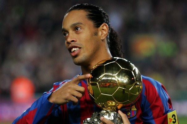 Ronaldinho viết tâm thư giải nghệ: Tạm biệt giấc mơ bóng đá! - Bóng Đá