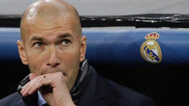 Zidane khẳng định vẫn trọn niềm tin vào Benzema - Bóng Đá