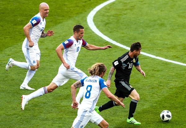 Lối chơi của Sampaoli khiến Messi quá tải như thế nào? - Bóng Đá