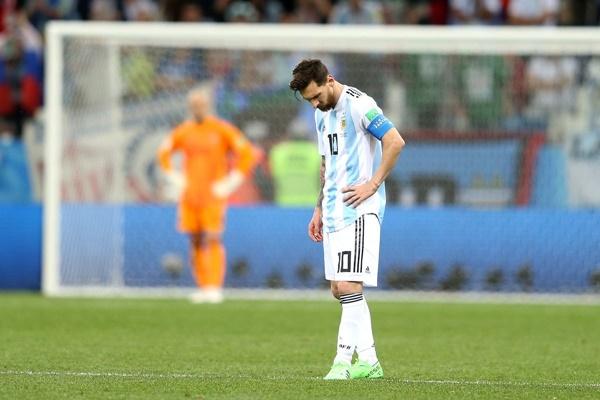 Argentina thất bại, Messi liệu có giải nghệ thật? - Bóng Đá
