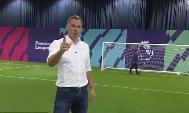 Neville thua độ Carragher, phải mặc áo Liverpool - Bóng Đá