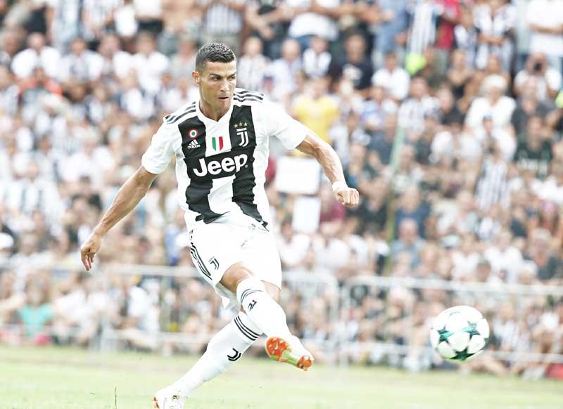23h00 ngày 18/08, Chievo Verona vs Juventus: Bình minh CR7 tại Marcantonio Bentegodi - Bóng Đá