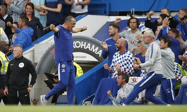 Thống kê chỉ ra lối chơi Chelsea thay đổi dưới thời Sarri - Bóng Đá