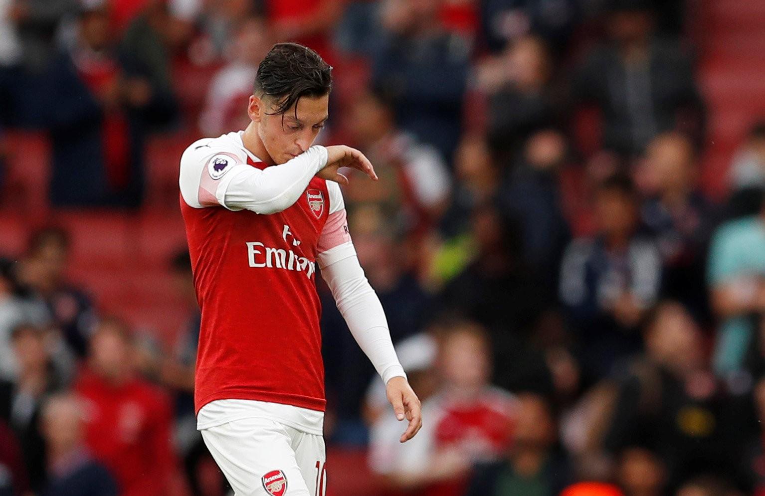 Carragher: Ozil và Mkhitaryan là điểm yếu của Arsenal - Bóng Đá