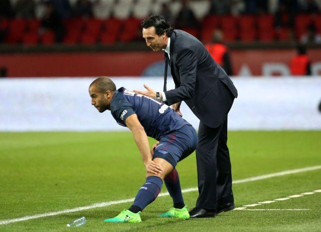 Lucas Moura chỉ trích Emery - Bóng Đá