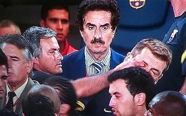 5 lần Mourinho công khai chống cả thế giới - Bóng Đá