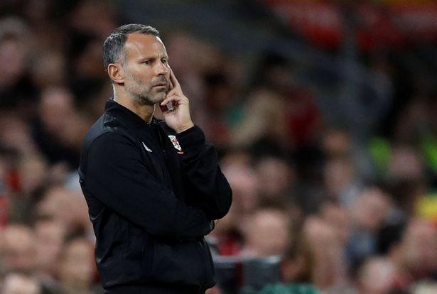 Wales đại thắng, Fan M.U cầu xin Woodward sa thải Mourinho vì Giggs - Bóng Đá