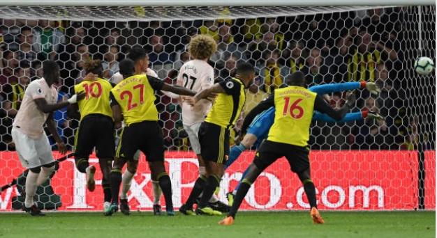 Ferdinand phản ứng De Gea cứu thua - Bóng Đá