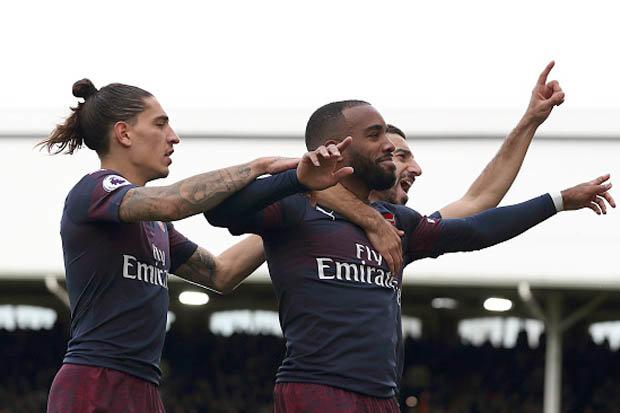 Keown: Arsenal đoàn kết dưới thời Emery hơn Wenger - Bóng Đá