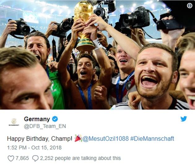Twitter tuyển Đức chúc sinh nhật Ozil - Bóng Đá