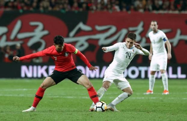 Fan Arsenal khoái pha tắc bóng của Torreira với Son - Bóng Đá