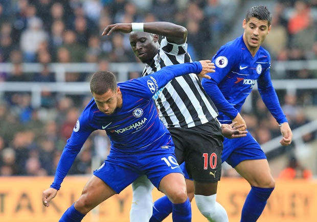 Gullit: Morata chơi tệ là do Sarri và Hazard  - Bóng Đá