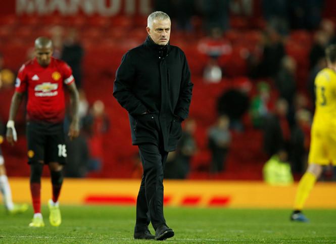 Không giành vé dự C1 giúp M.U tốn ít tiền sút Mourinho hơn - Bóng Đá