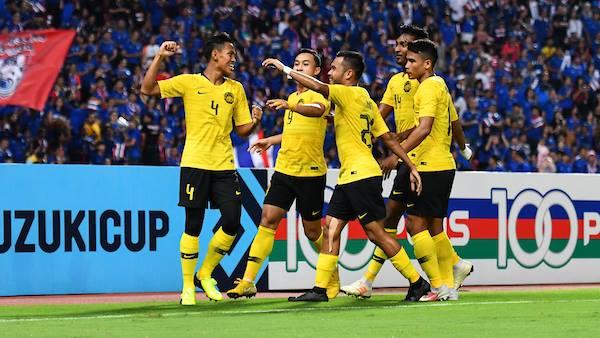 Fan Việt thận trọng khi biết đối thủ chung kết có thể là Malaysia - Bóng Đá