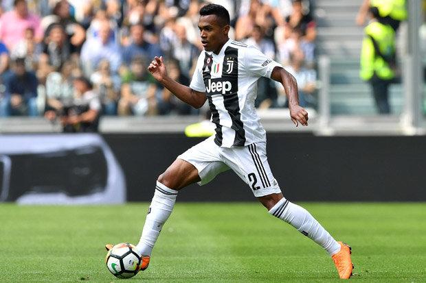 Alex Sandro gia hạn Juve - Bóng Đá