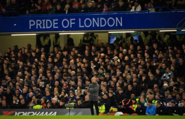 Pep tức giận trợ lý HLV Chelsea - Bóng Đá