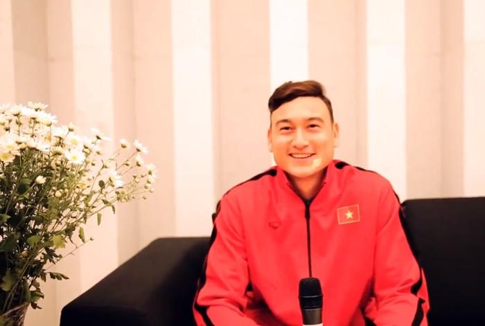 Văn Lâm muốn chơi cho Man United - Bóng Đá