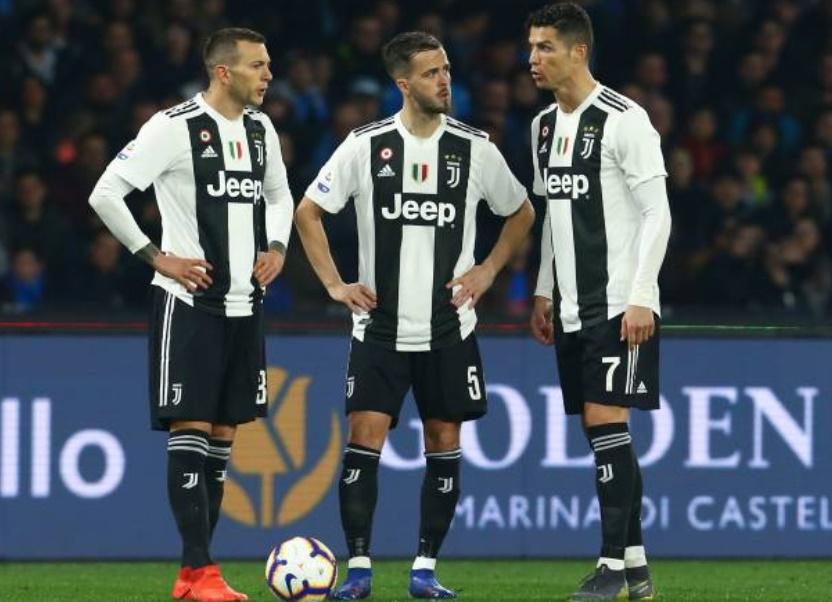 5 điểm nhấn Napoli 1-2 Juventus: Tranh cãi trọng tài, giật mình với khả năng sút phạt của Ronaldo - Bóng Đá