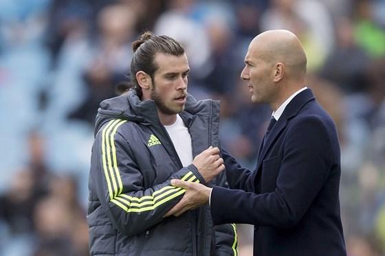 Đại diện Bale lên tiếng ở lại Real - Bóng Đá