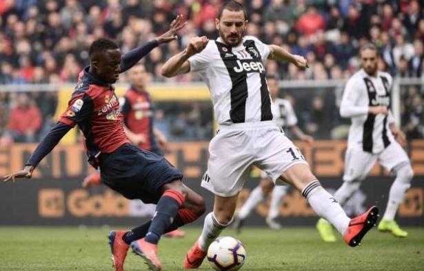 Juve bại trận, Dybala thẫn thờ nhìn xa xăm tìm Ronaldo - Bóng Đá