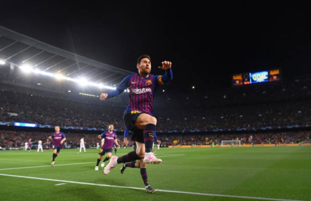 Messi không thèm bắt tay Smalling - Bóng Đá