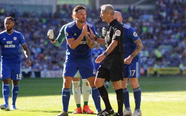 Salah không vui khi Milner cướp penalty - Bóng Đá