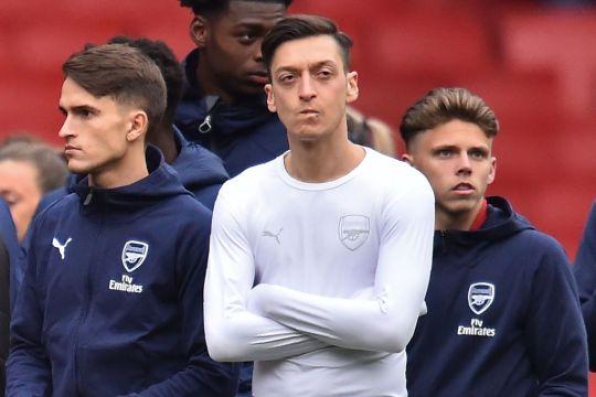 Cầu thủ Arsenal chán nản không thèm tri ân CĐV sau trận - Bóng Đá