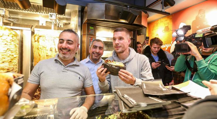 Podolski bán kebab - Bóng Đá
