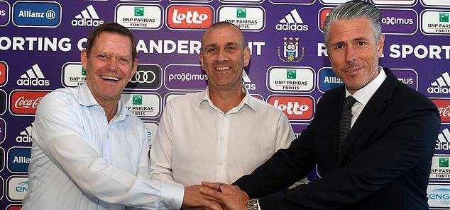 Simon Davies theo chân Kompany đến Anderlecht - Bóng Đá