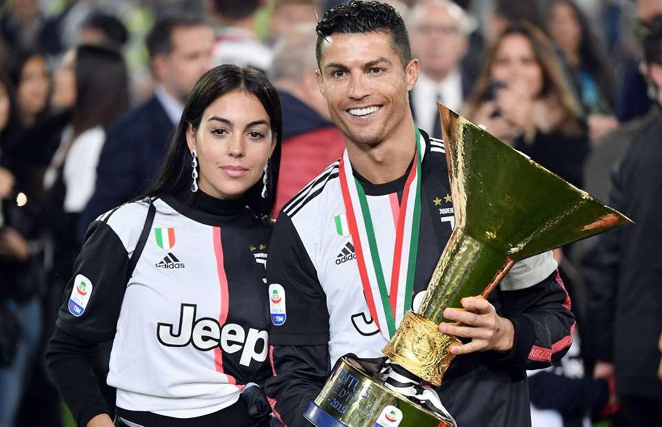 Messi beats Ronaldo in 2019 Forbes rich list - Bóng Đá