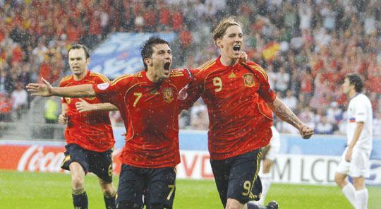 Torres pays tribute to 'best player' Gerrard in retirement announcement - Bóng Đá