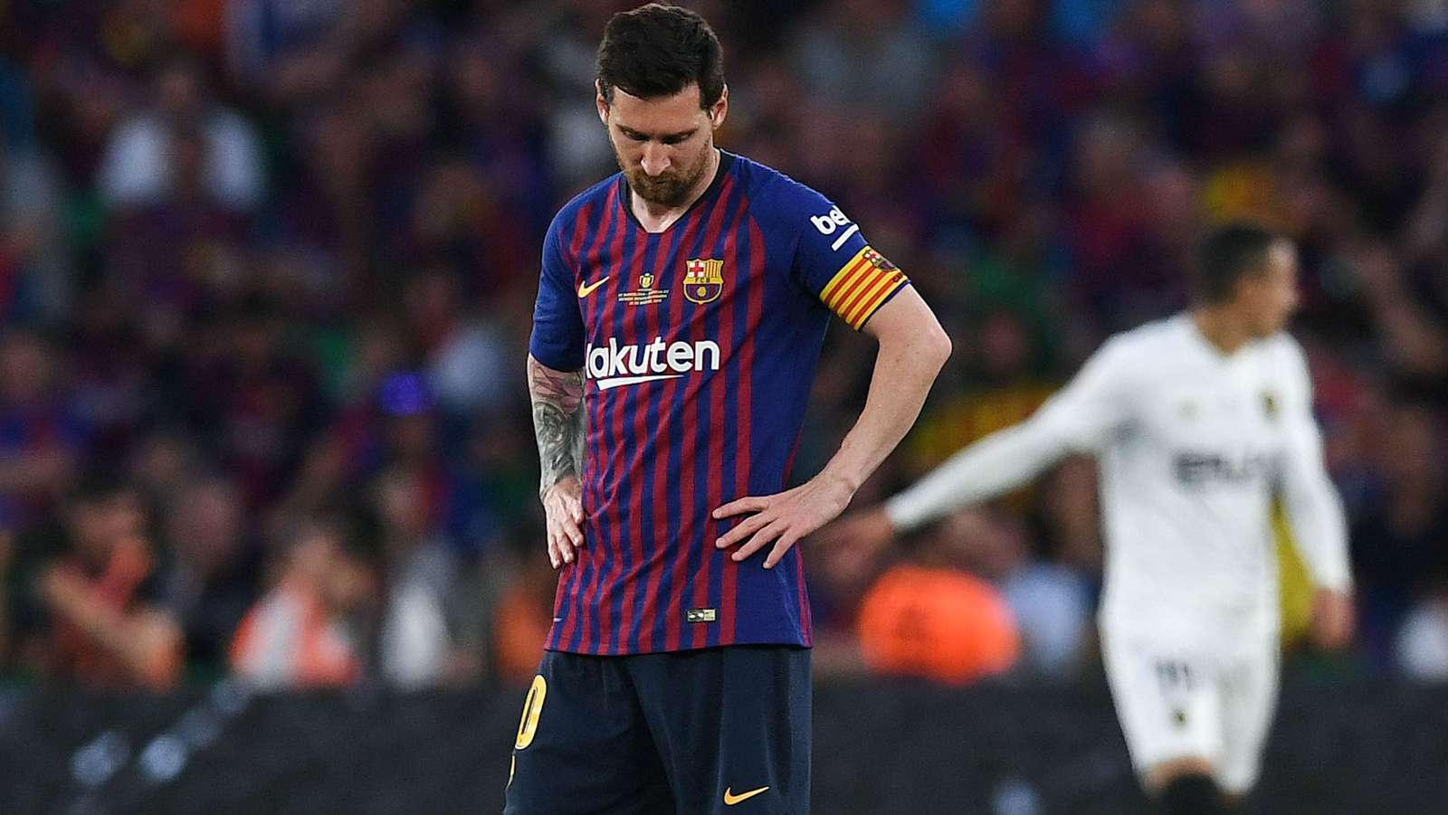 'Why doesn't he win in Europe?' - Van Gaal blames Messi for Barcelona's Champions League failures - Bóng Đá