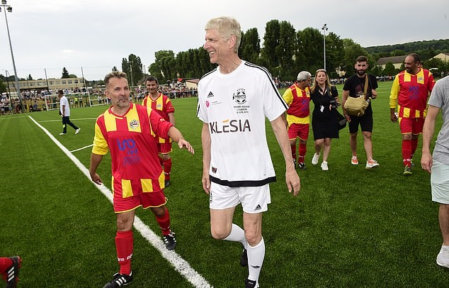 Wenger's still got it! Former Arsenal boss, 69, rolls back the years at charity match - Bóng Đá