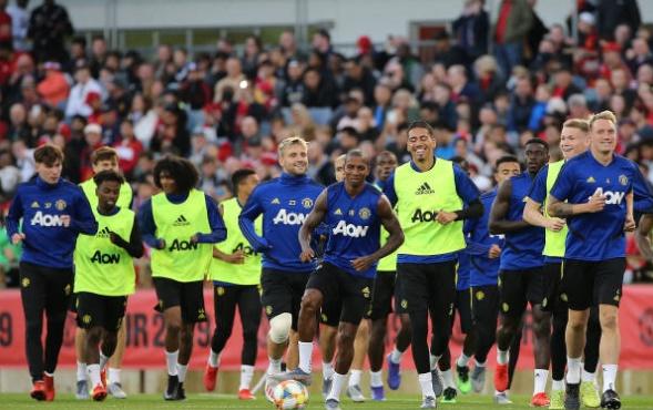Romelu Lukaku caught yawning on exercise bike after missing Manchester United training session   - Bóng Đá