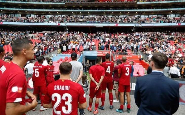 Jurgen Klopp in classy Man City gesture after Liverpool's Community Shield defeat - Bóng Đá