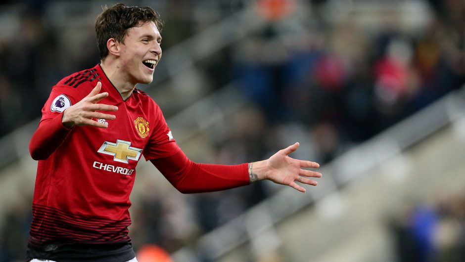 Barcelona made several attempts to sign Lindelof this summer but Man Utd told them he is not for sale - Bóng Đá