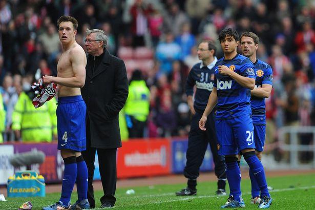 What Sir Alex Ferguson said to Man Utd dressing room after Sergio Aguero goal robbed them of title - Bóng Đá