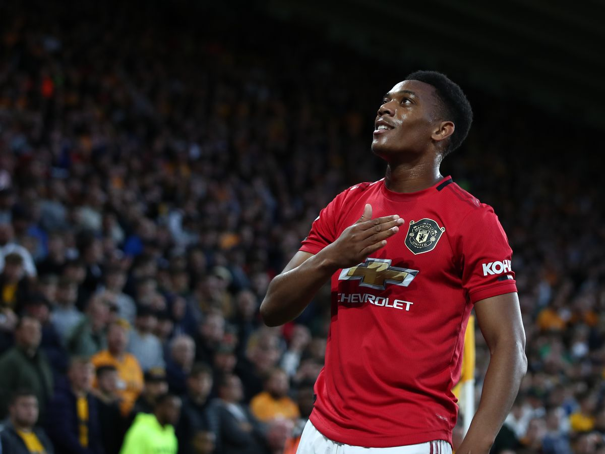The two words Man Utd star Anthony Martial said as he left dressing room after Wolves draw - Bóng Đá
