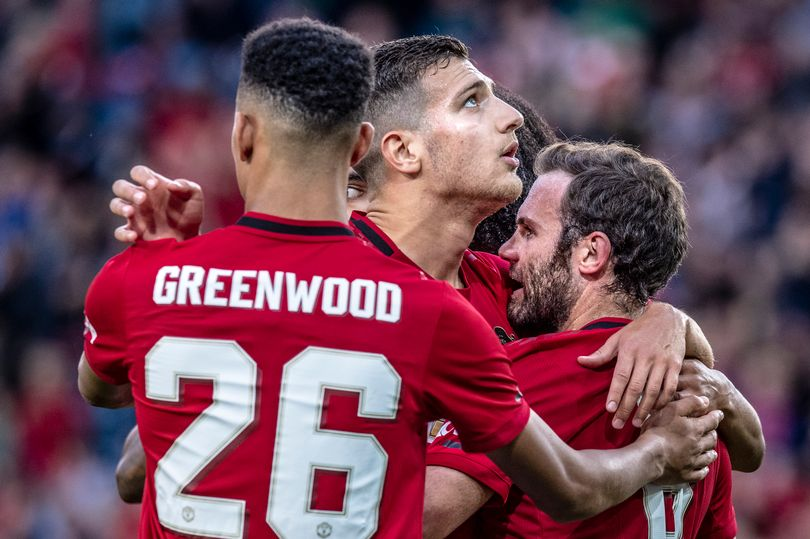 Manchester United shocked Sheffield United with squad for midweek friendly fixture - Bóng Đá