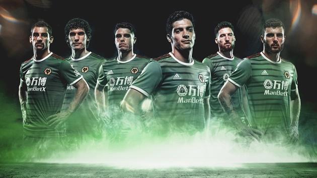 PHOTOS: Wolves, Chelsea, Spurs release new third jerseys - Bóng Đá