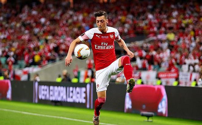 Per Mertesacker sends a message to 'genius' former Arsenal teammate Mesut Ozil  - Bóng Đá