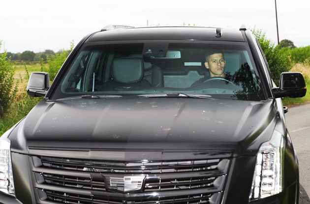 Photos: James, Martial, Andreas Pereira, Matic, Joel Pereira and Dalot arriving at Carrington today #mulive  - Bóng Đá