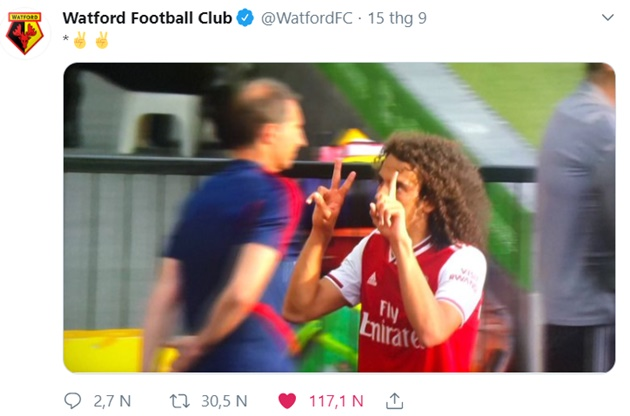 Matteo Guendouzi left with egg on his face after flashing 2-1 gesture at Watford fans as he is substituted off - ra dấu tay - Bóng Đá