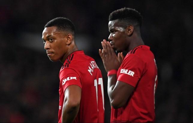 Under-fire Man Utd stars arrive at Carrington ahead of huge Arsenal clash  - Bóng Đá