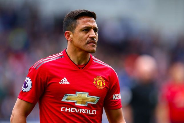 Alexis Sanchez severs ties with former Manchester United team-mates in WhatsApp group as Chilean settles into life in Italy - Bóng Đá