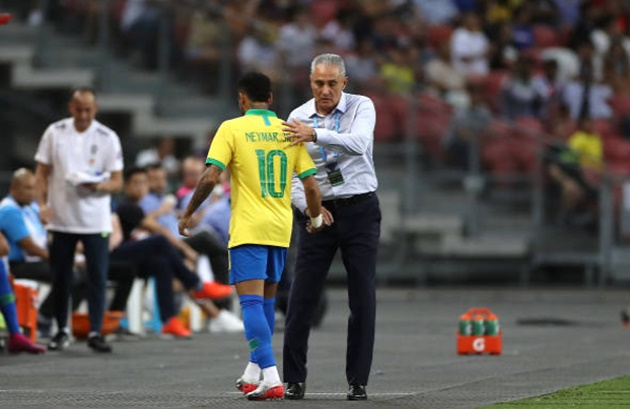 Neymar left the ground after 12 minutes - Bóng Đá