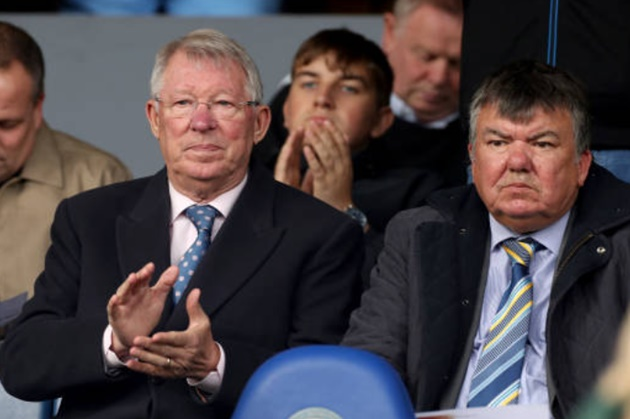 Sir Alex Ferguson watches son Darren lead Peterborough up to third with win over Lincoln as Bristol Rovers maintain pace at the top - Bóng Đá